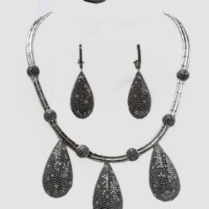 WHITE AND BLACK DIAMOND TEARDROP NECKPIECE SET